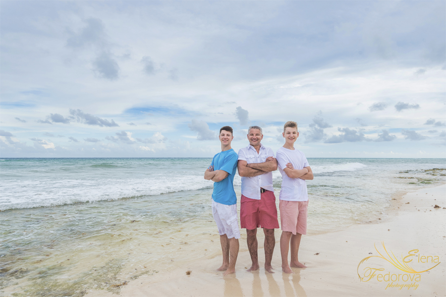 father and sons photos beach Isla Mujeres