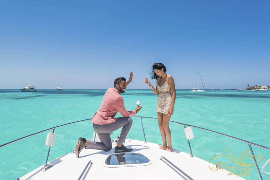 gorgeous yacht photo shoot proposal in isla mujeres