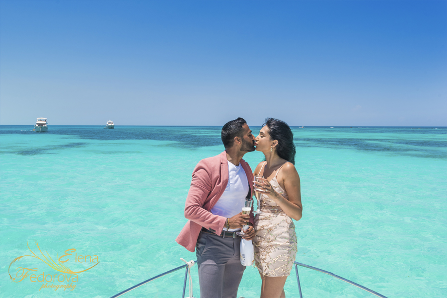proposal in isla mujeres yacht