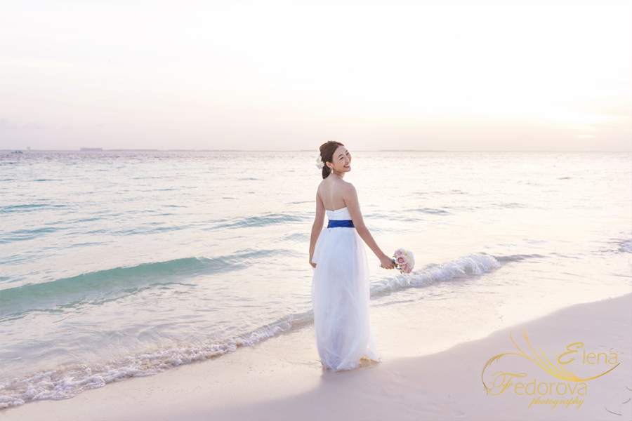 bridal portrait isla mujeres beach
