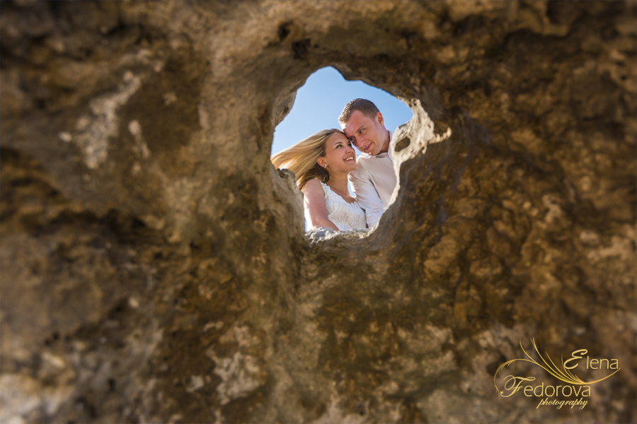 creative photo couple honeymoon Isla Mujeres