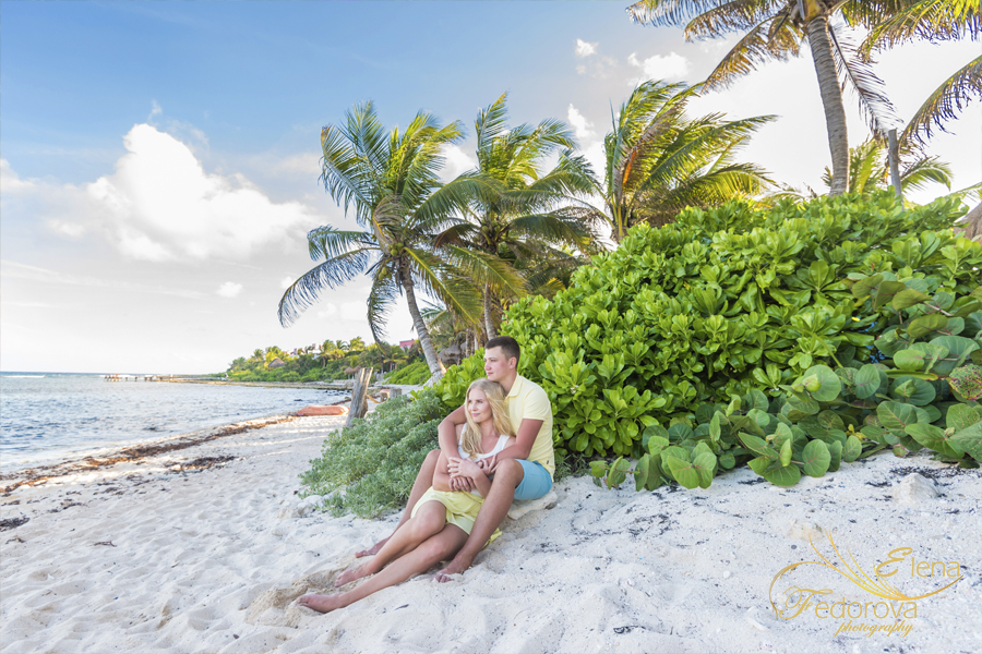 photo session on beach in Isla Mujeres