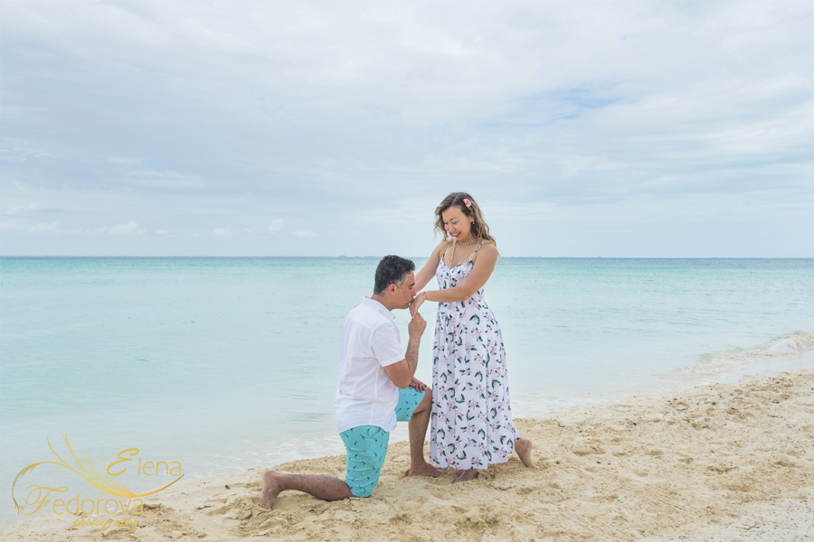 say yes to love of your life photo isla mujeres