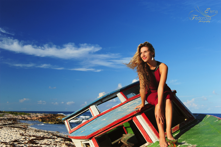 isla mujeres photo shoot with a blonde